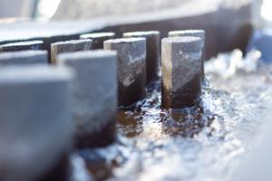 detalj av rennende vann